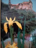 Желтые ирисы на берегу озера