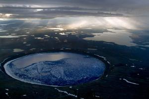 Где находится самый крупный астероидный кратер? (картинка просто для размышления)
