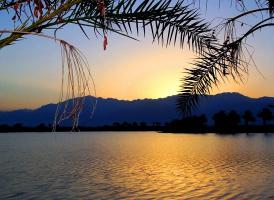 Сиреневый закат над Красным морем