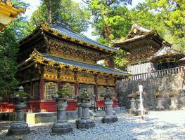 Один из объектов храмового комплекса Тосёгу