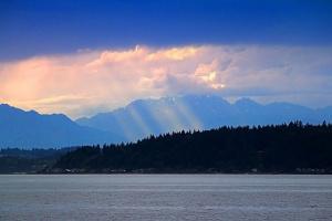 Рассвет где-то там над Сиэтлом...