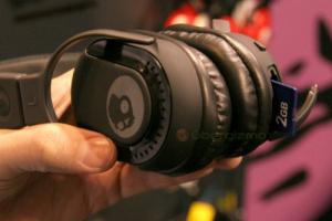 Hаушники с MP3-плеером
