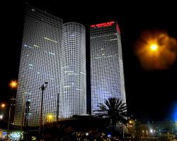 Ночной Тель-Авив (+ 2 снимка)