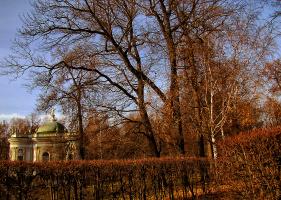 Осень в Кусково (Москва).