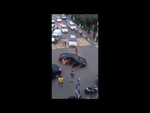 Простой водитель ИЖа наказал…