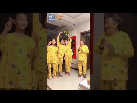 Самый трогательный флешмоб из Китая, в котором участвует 4 поколения семьи