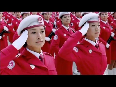 Китаянки маршируют под нашу «Катюшу». Загляденье!