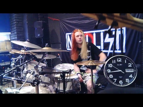 Барабанщик Нигилист из Минск…