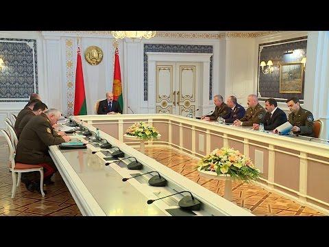 Президент провел совещание с силовиками: cитуация с Украиной сама не рассосется.
