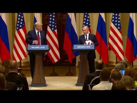 """""""Мяч на твоей стороне"""". Владимир Путин подарил Дональду Трампу футбольный мяч"""