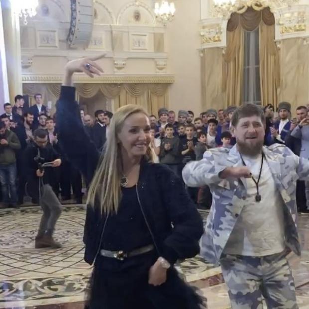 Татьяна Навка станцевала с Р…