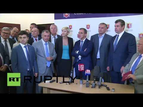 Пресс-конференция главы Крыма и руководителя французской делегации