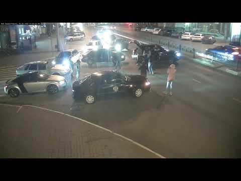 Кавказцы с автоматами перекрыли центральную улицу в Калуге, чтобы станцевать лезгинку