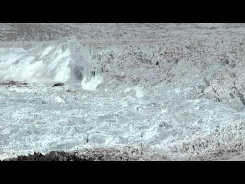 Камера, оставленная на льду,…