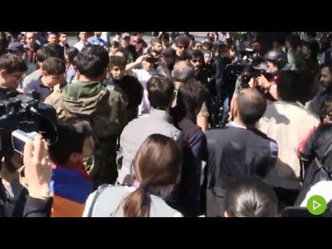 Митинг протеста против премьер-министра Армении Саргсяна в Ереване — прямая трансляция