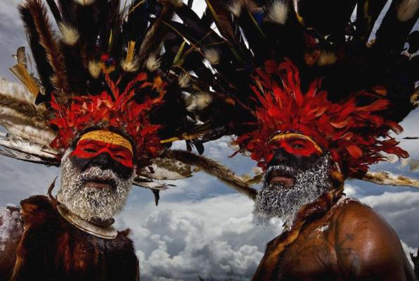 Мужчины Папуа - Новая Гвинея. Фотограф Brent Stirton.