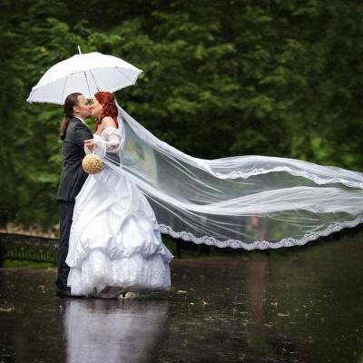 а дождь в этот день сделал дорогу зеркальной.....