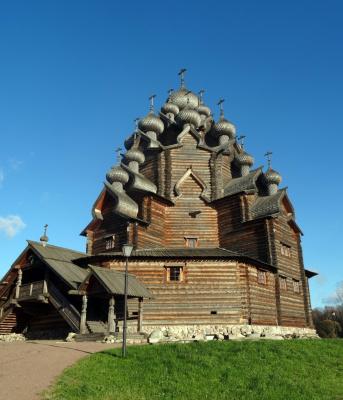 Покровский собор в Невском лесопарке.
