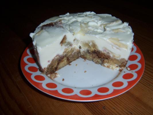 Сметанно бисквитный тортик