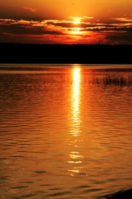 Просто  закат на озере