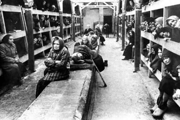 30 апреля 1945 года - освобождение советскими войсками узниц женского концентрационного лагеря Равенсбрюк.