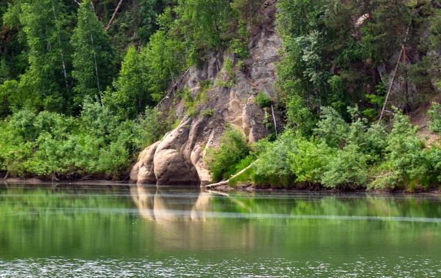 Грот на реке Лебедь
