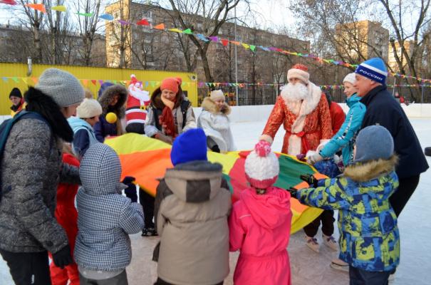 04.01.2018 Интерактивная спортивная программа на льду, посвященная Рождеству.