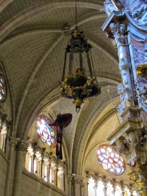 Потолок со шляпами умерших кардиналов в Валенсии (Испания).