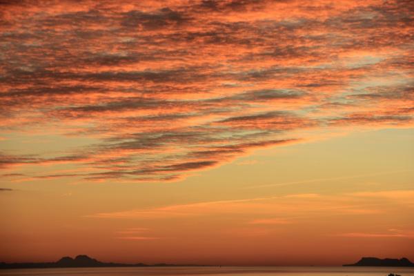 Гибралтарский пролив на закате. (декабрь 2011)