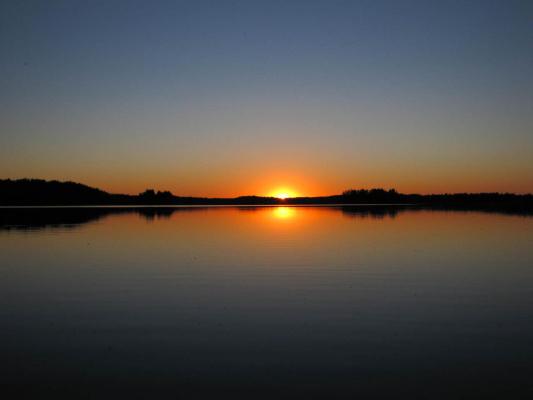 Закат на озере Видимирь.