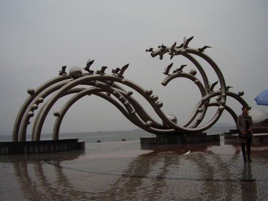 Инсталляция из труб