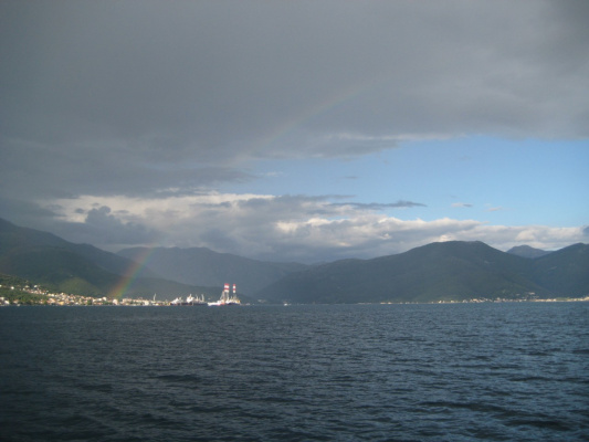 Черногория. Радуга над Которским заливом.