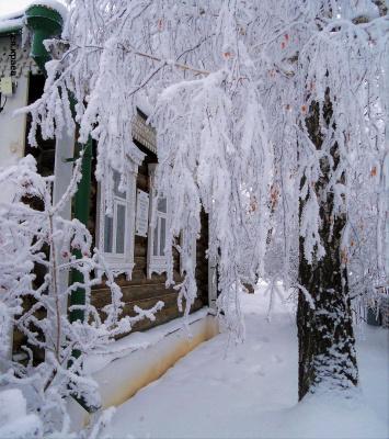 У дома Сергея Есенина. Белая Берёза.