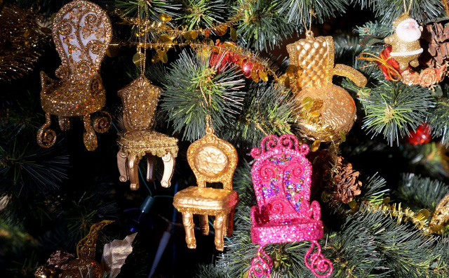 Новогодние стулья