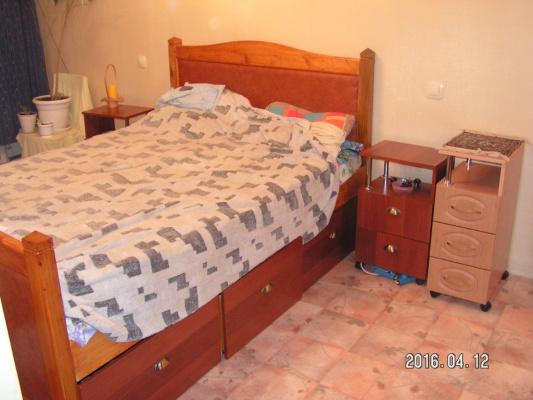 кровать с тумбочками