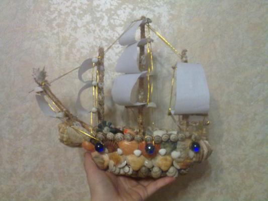 Поделки кораблики из ракушек 60