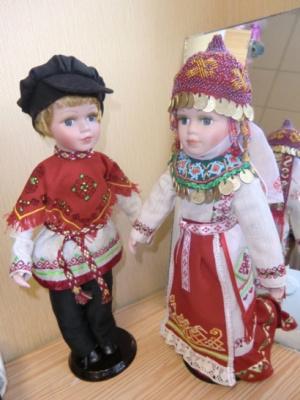 куклы в чувашских костюмах