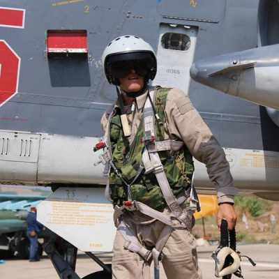 Первое фото русского летчика на базе в Латакии.