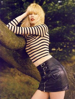 Клаудия Шиффер в 40 лет. Осенняя фотосессия для французского журнала Vogue.
