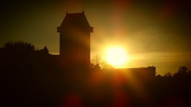 Закат у замка Германа