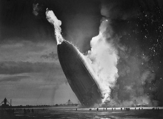 Фотография, которая потрясла мир и заставила людей отказаться от дирижаблей, 1937 г