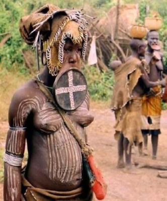 Велика сила нелепых традиций и странных понятий о красоте!!! (((