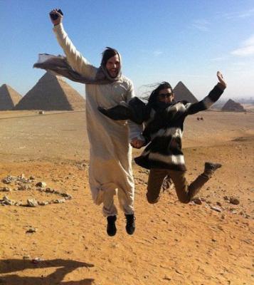 Эштон Катчер и Деми Мур посетили Египет с деловой целью