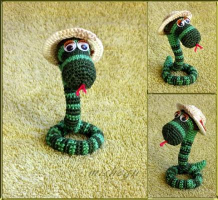 Змейки вязаные-6