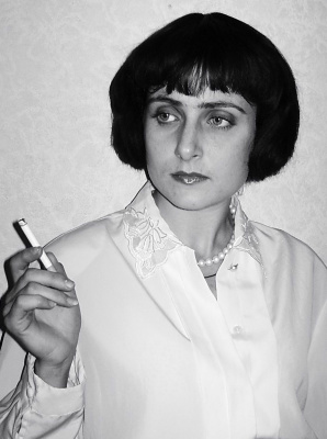 Юлия Сак в роли гениальной Марины Цветаевой.