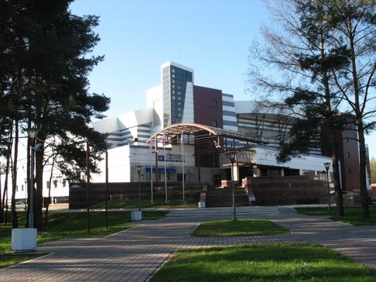 Культурно-спортивный комплекс Ледовый дворец Витязь.