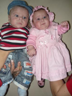 двойняшки Нико и Мари.мои крестники.Правда милашки?