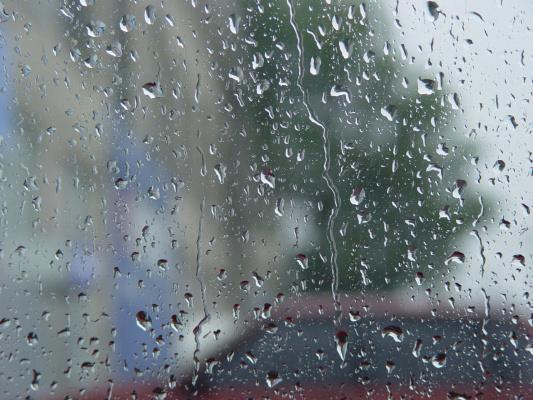 А дождь идет и идет...