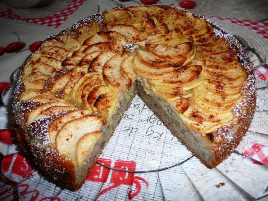 Банановый кекс с яблоками