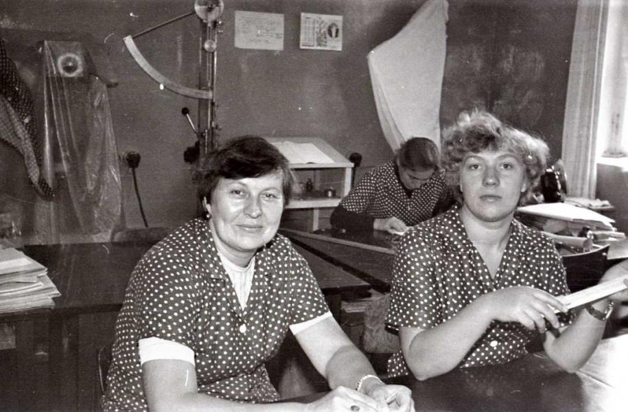 В лаборатории. Льнокомбинат. 1990 год.